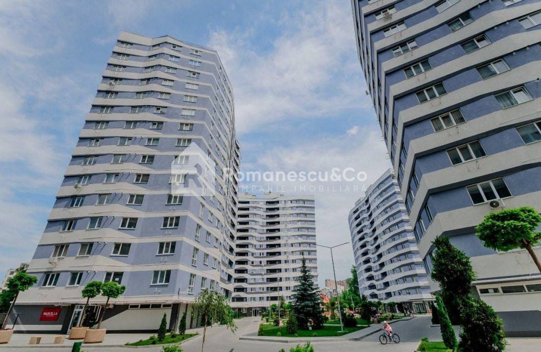 Apartament cu 3 camere plus living in centrul orasului! 1