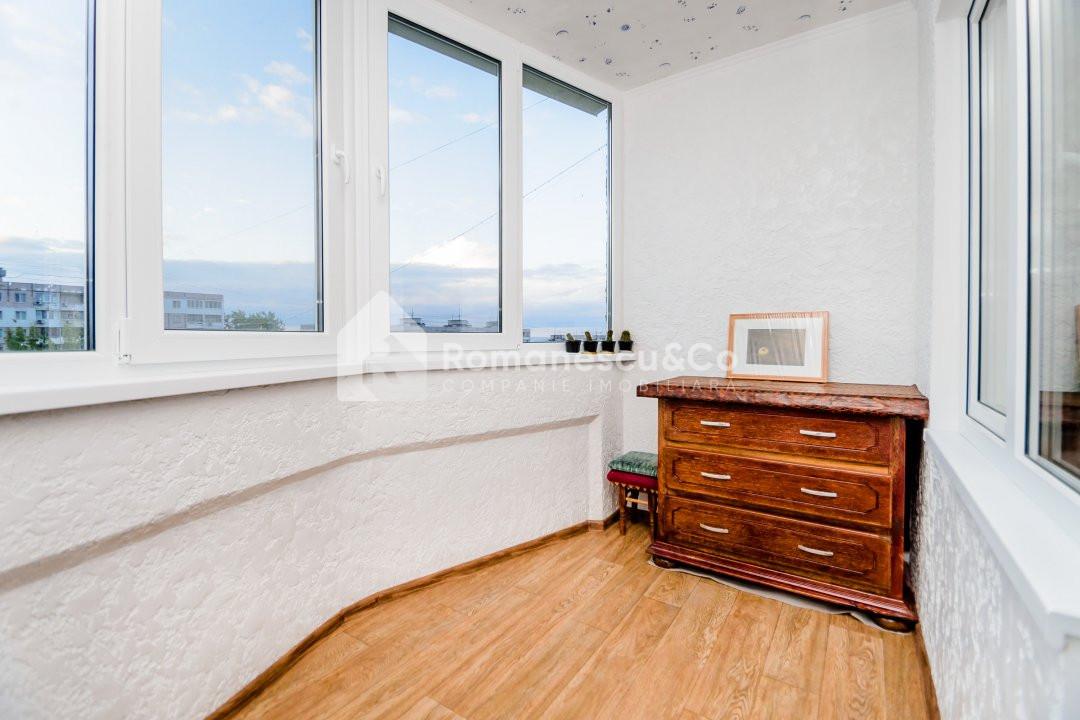 Apartament cu  3 odai ! Bulevardul Traian ! 11