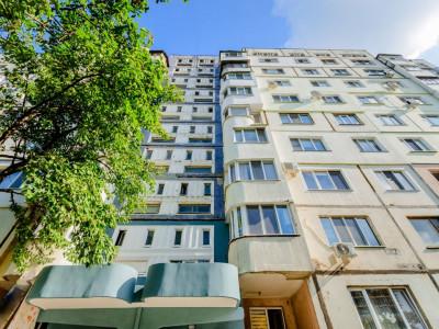 Apartament cu 3 camere, sec.Botanica, str. Cuza Voda, posibil in rate